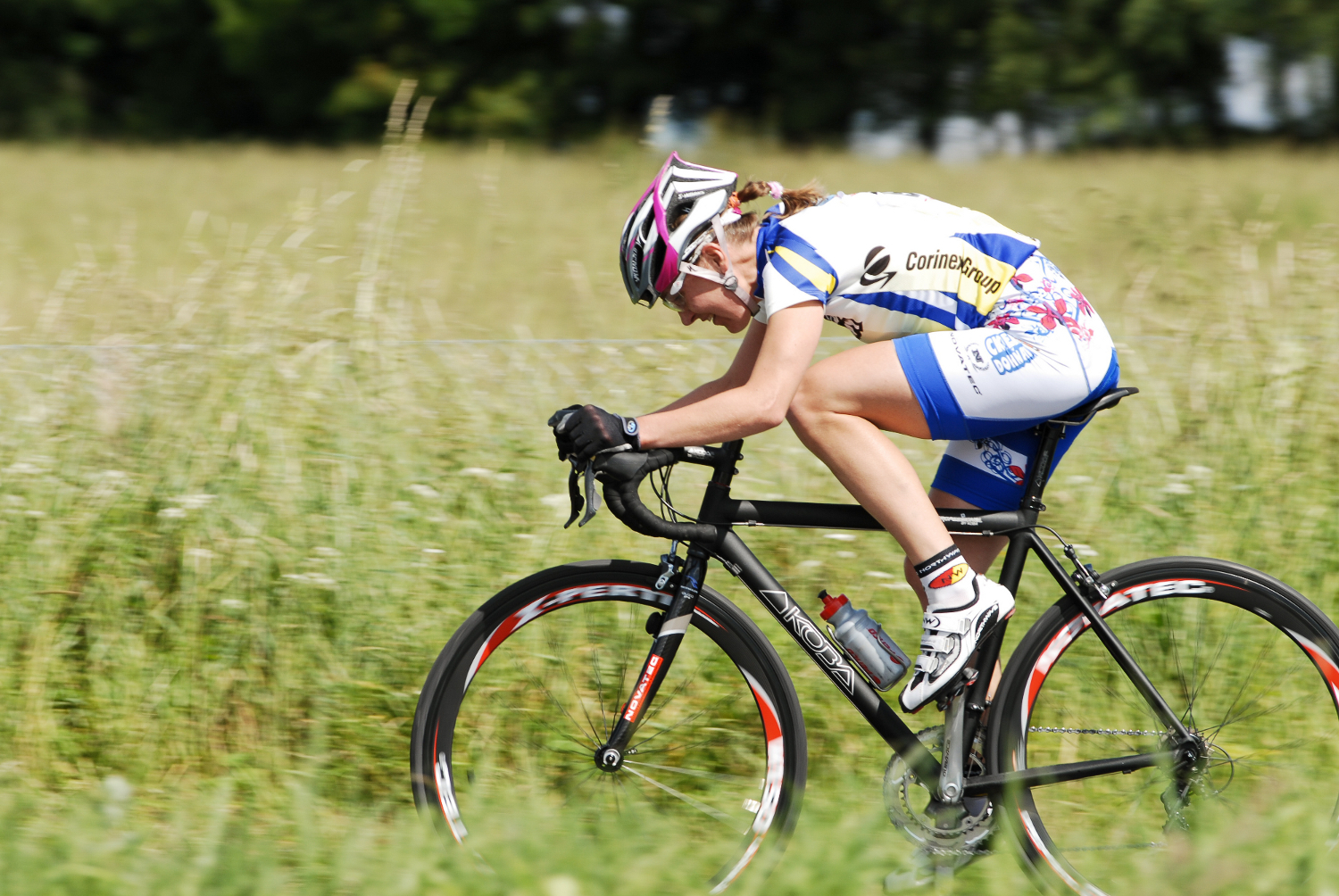 janka-stevkova-cycling-road-race.jpg